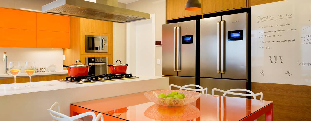 Cozinha: Cozinhas modernas por Amanda Miranda Arquitetura