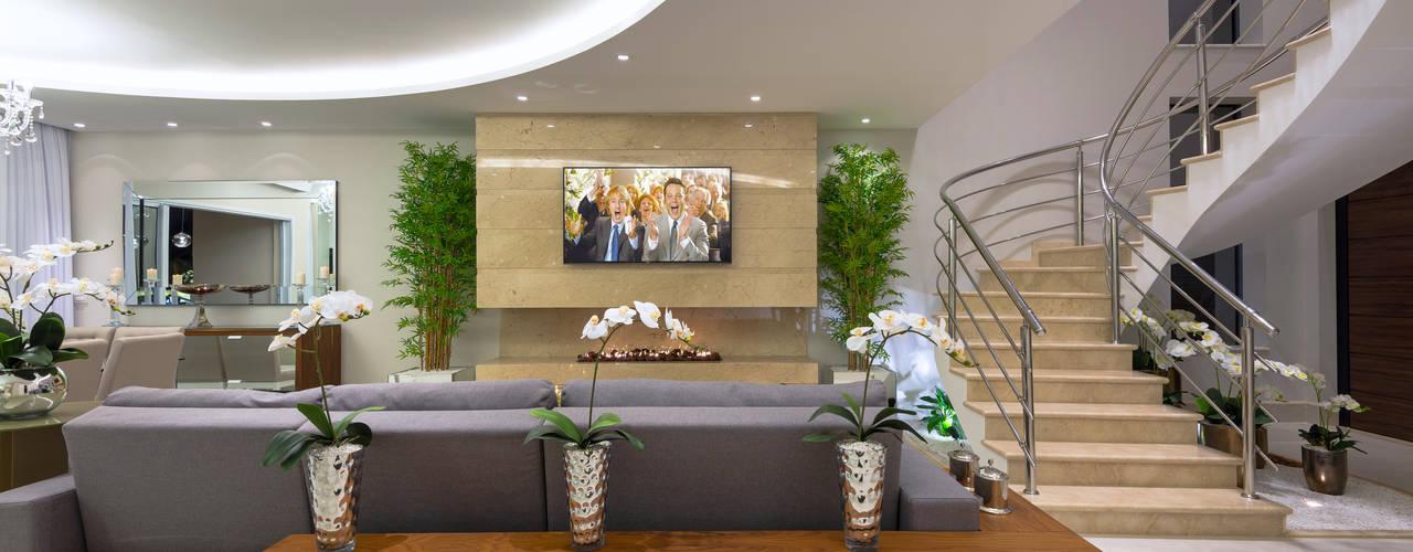 Casa Villa: Salas multimídia modernas por Designer de Interiores e Paisagista Iara Kílaris