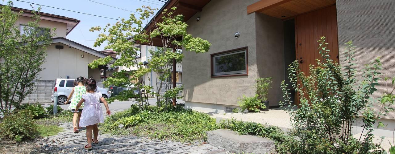 de 藤松建築設計室 Asiático