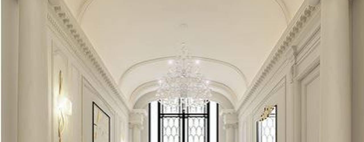 Black and White Hallway Design Ideas Corredores, halls e escadas clássicos por IONS DESIGN Clássico