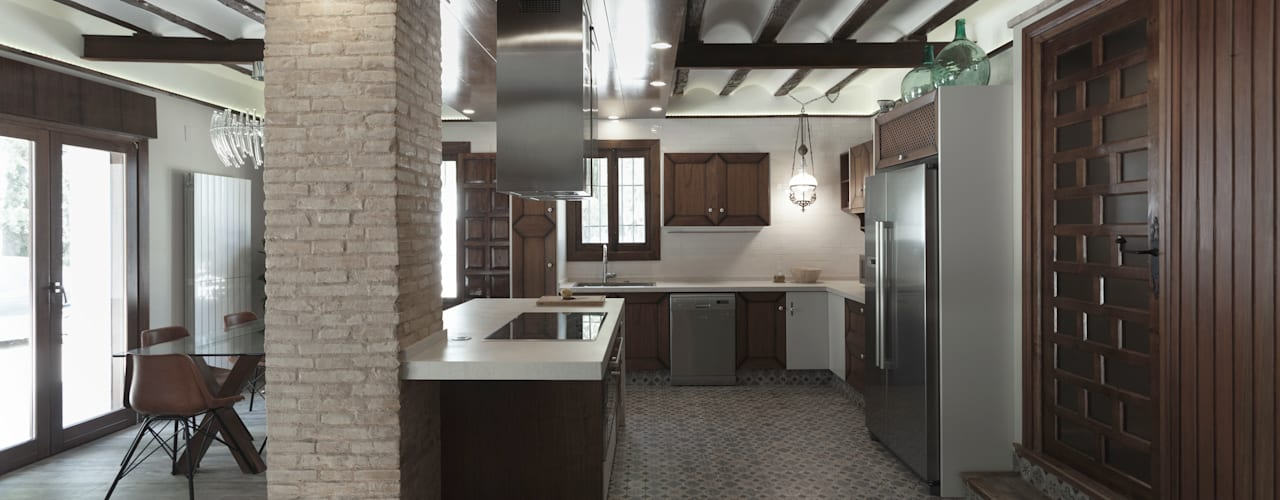 House on vineyards Raul Garcia Studio Cucina in stile rustico