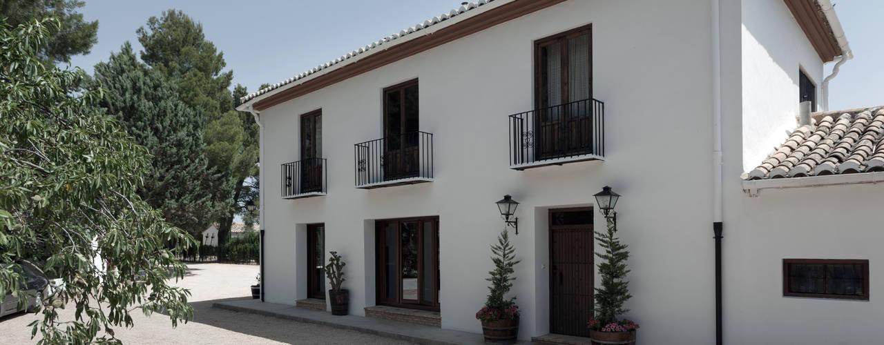 House on vineyards Raul Garcia Studio Rustykalne domy