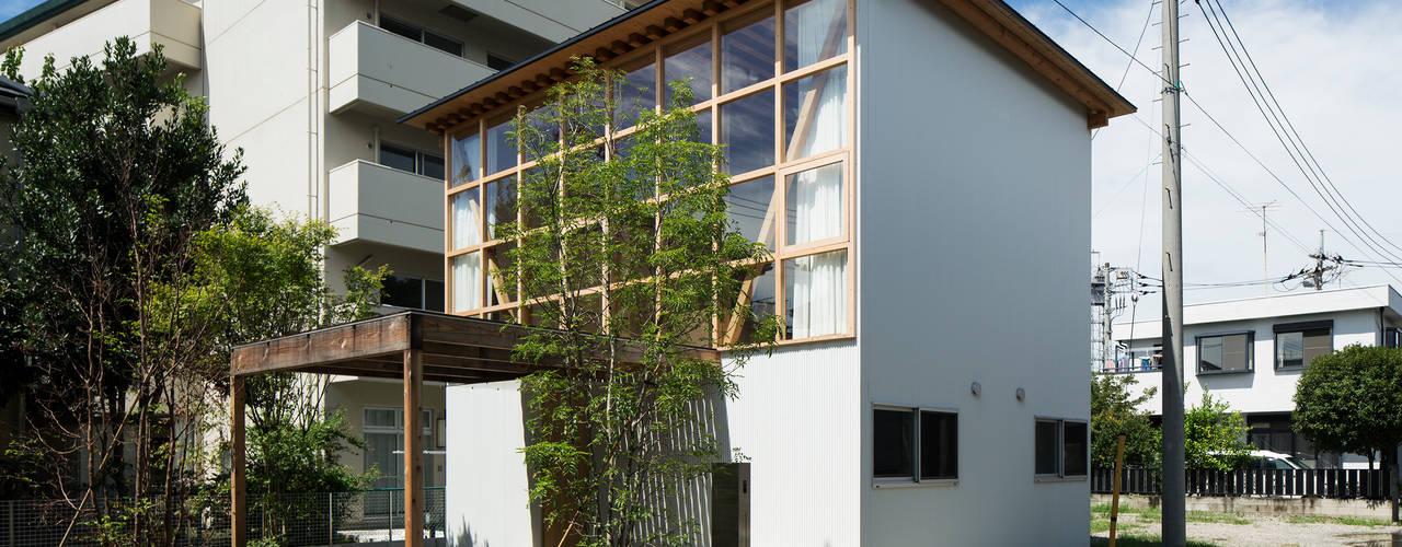 山路哲生建築設計事務所의  주택