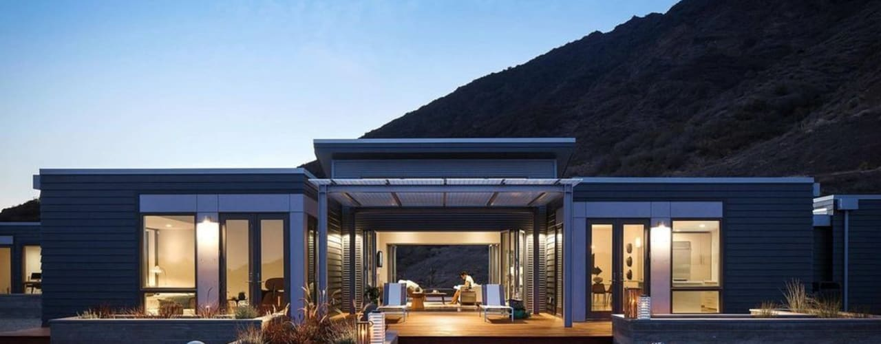by Construcciones F. Rivaz Modern