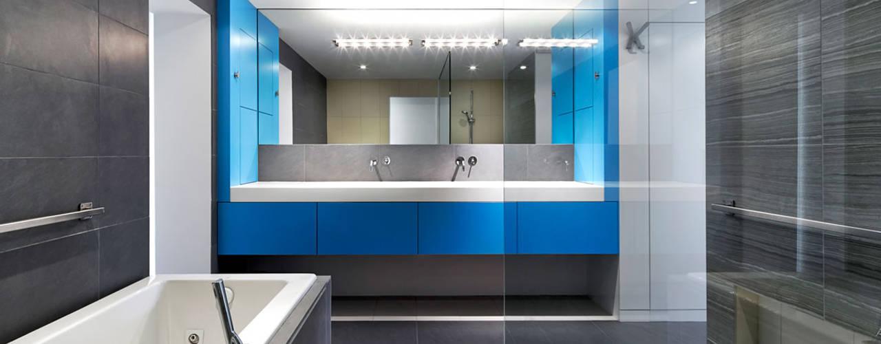 Nowoczesna łazienka od KUBE architecture Nowoczesny