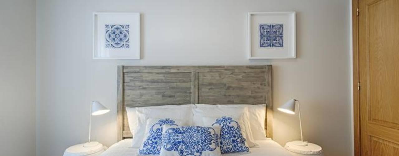 Dormitorios de estilo  por EU INTERIORES