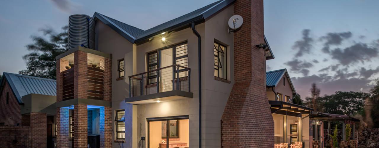 Maisons de style  par OLIVEHILL Architects