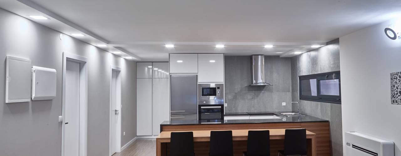 Casa modular: Salas de jantar modernas por ClickHouse