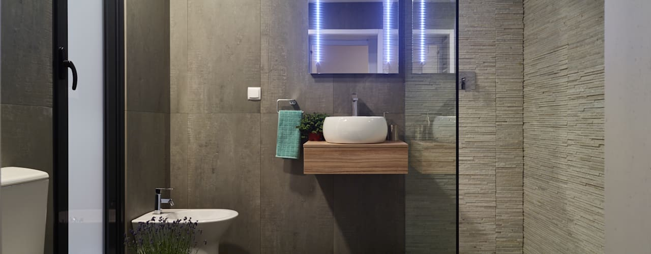 Casa modular Modern bathroom by ClickHouse Modern