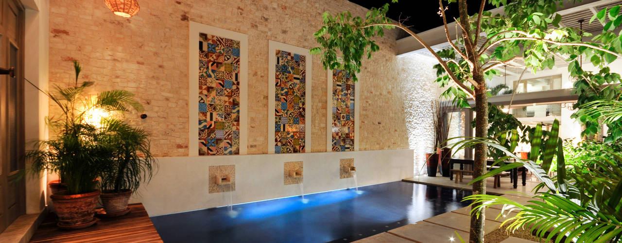 Ancona + Ancona Arquitectos Kolam Renang Modern