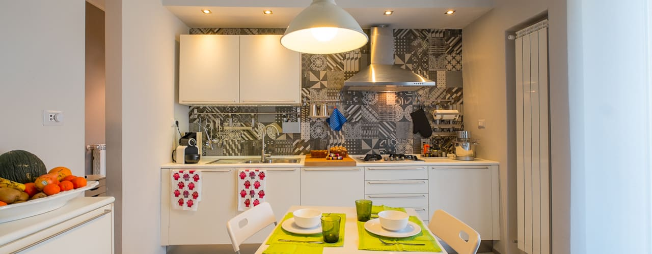Appartamento Privato - Soggiorno e Cucina di NINE associati Moderno