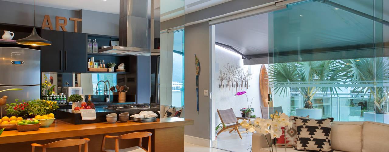 Кухни в . Автор – Angela Medrado Arquitetura + Design, Модерн