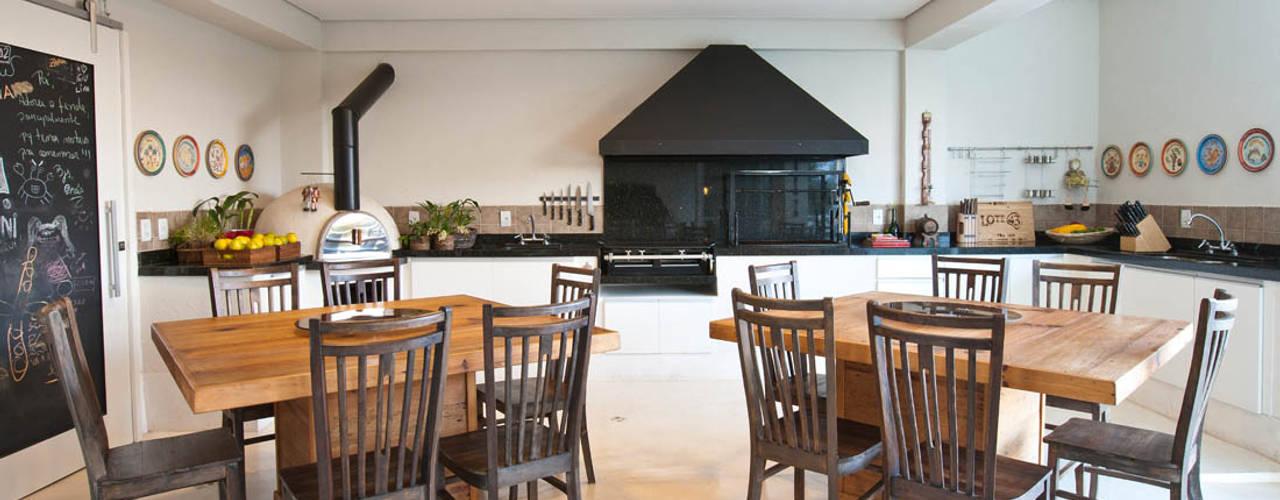 Espaço Gourmet: Terraços  por IDALIA DAUDT Arquitetura e Design de Interiores