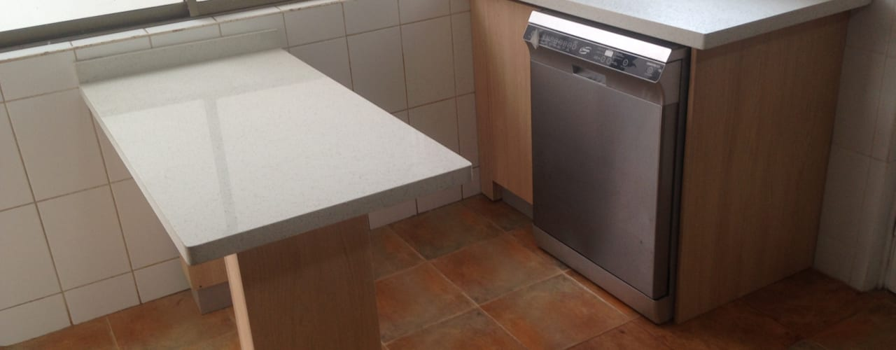 Cozinhas minimalistas por N.Muebles Diseños Limitada Minimalista