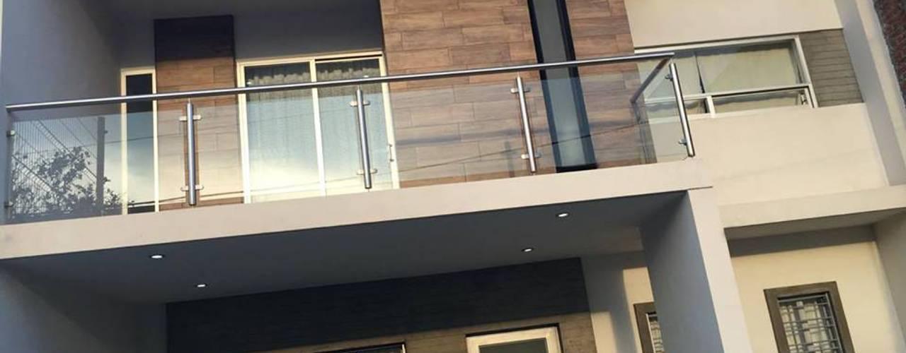 Casas de estilo  por FERAARQUITECTOS