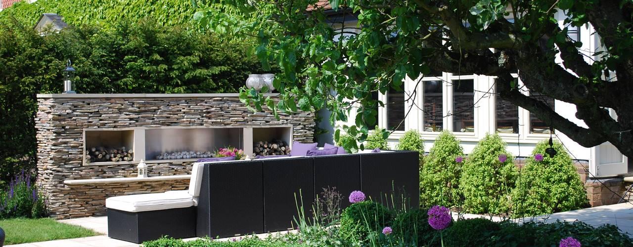 Felsted Place Jardines de estilo minimalista de Aralia Minimalista