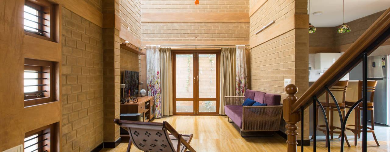Living room by A3 Ateliê Academia de Arquitectura