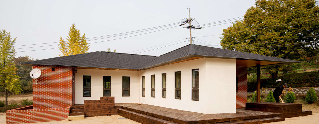 homify Modern home Bricks