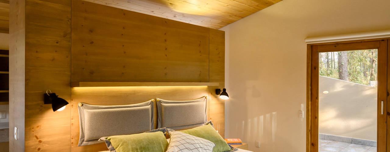 Habitaciones de estilo  por Weber Arquitectos