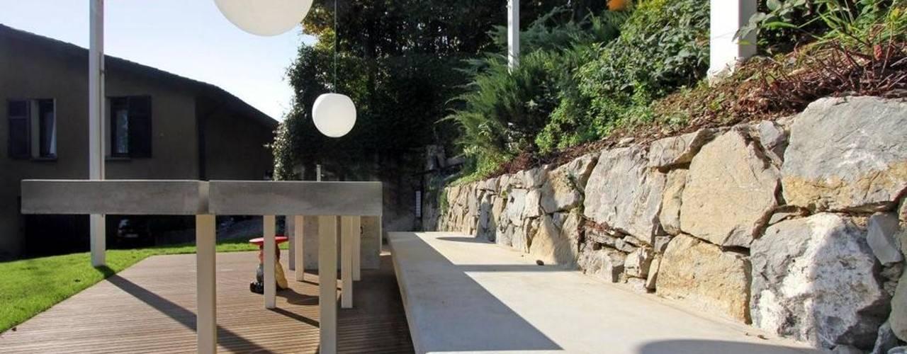 Barbecue Outdoor: Giardino in stile  di sandra marchesi architetto