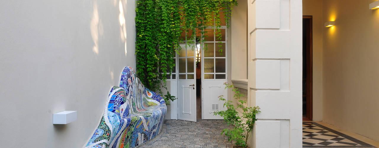 Casas de estilo moderno por Paula Herrero | Arquitectura