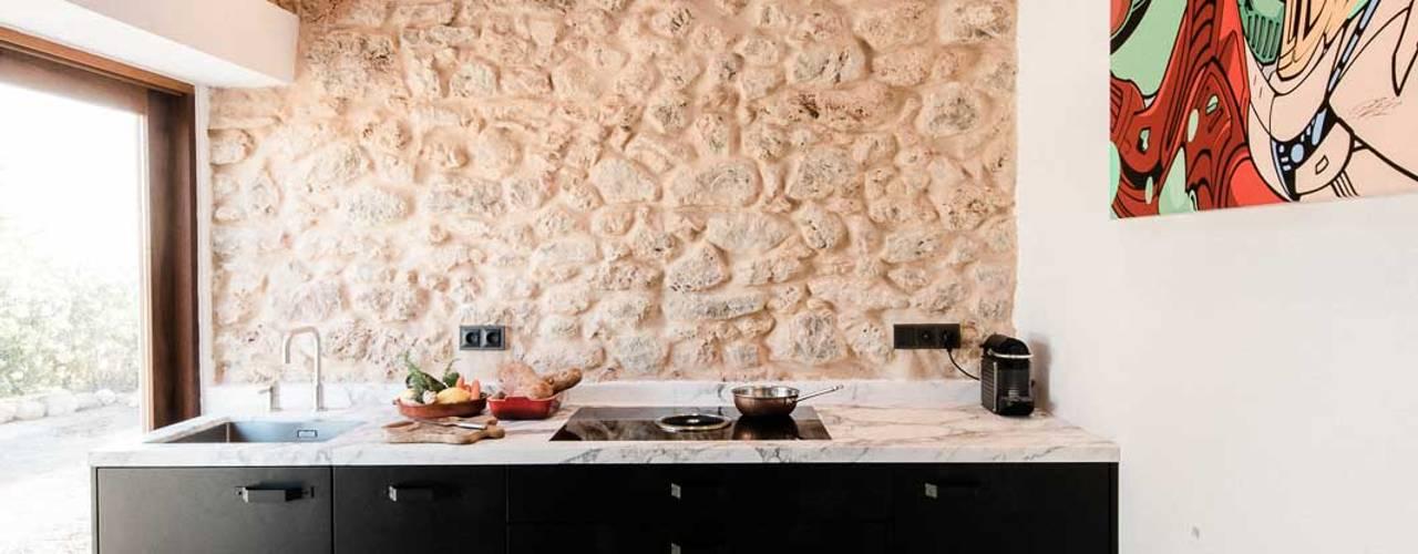 Кухни в . Автор – Ibiza Interiors - Nederlandse Architect Ibiza,