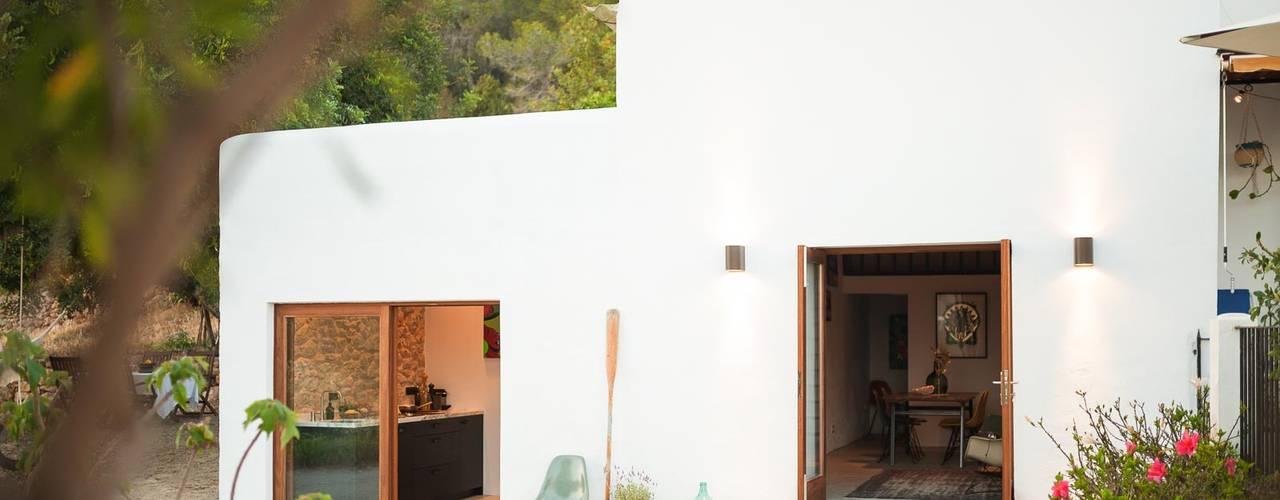 Ibiza Campo - Guesthouse Mediterranean style house by Ibiza Interiors - Nederlandse Architect Ibiza Mediterranean
