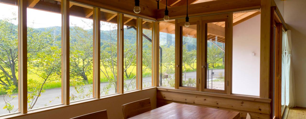 Столовые комнаты в . Автор – エイチ・アンド一級建築士事務所 H& Architects & Associates