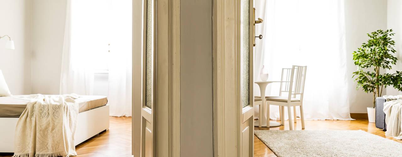 Muguet e Jasmin Ingresso, Corridoio & Scale in stile classico di Francesca Greco - HOME|Philosophy Classico