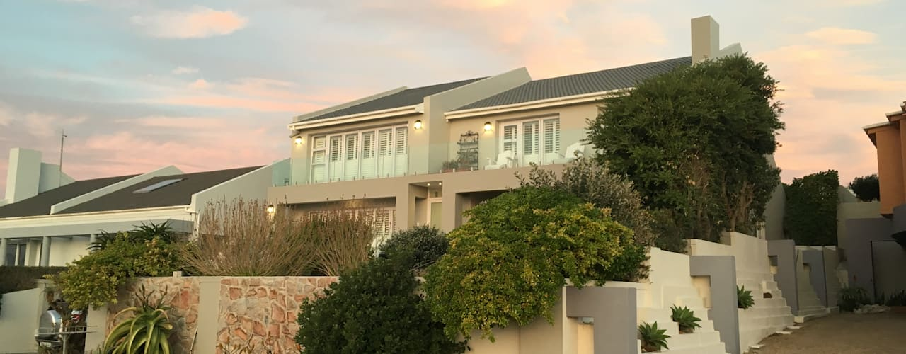 De Kelders Residence Hermanus Western Cape:  Houses by CS DESIGN