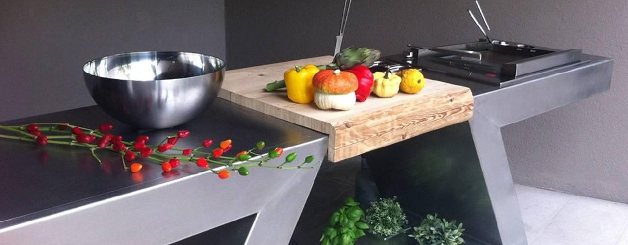 مطبخ تنفيذ ZED EXPERIENCE - indoor & outdoor kitchen