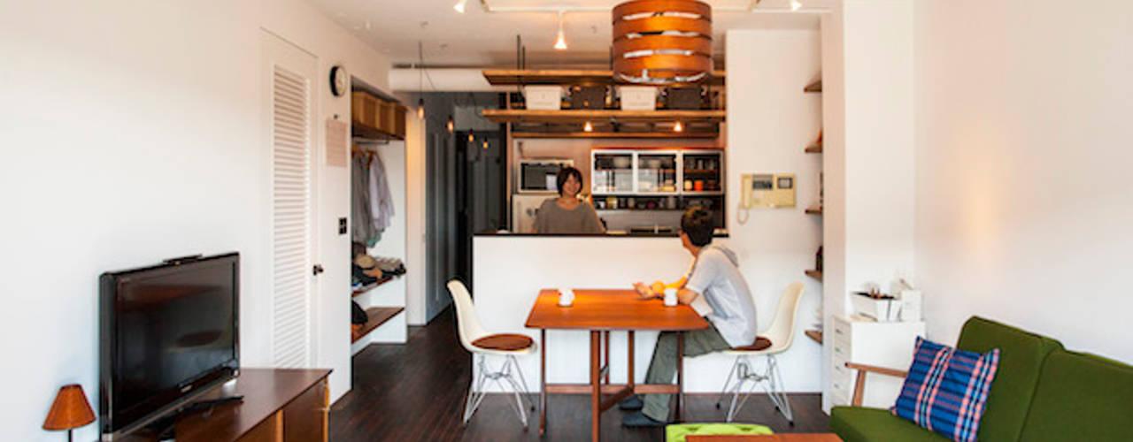 Projekty,  Salon zaprojektowane przez 株式会社ブルースタジオ