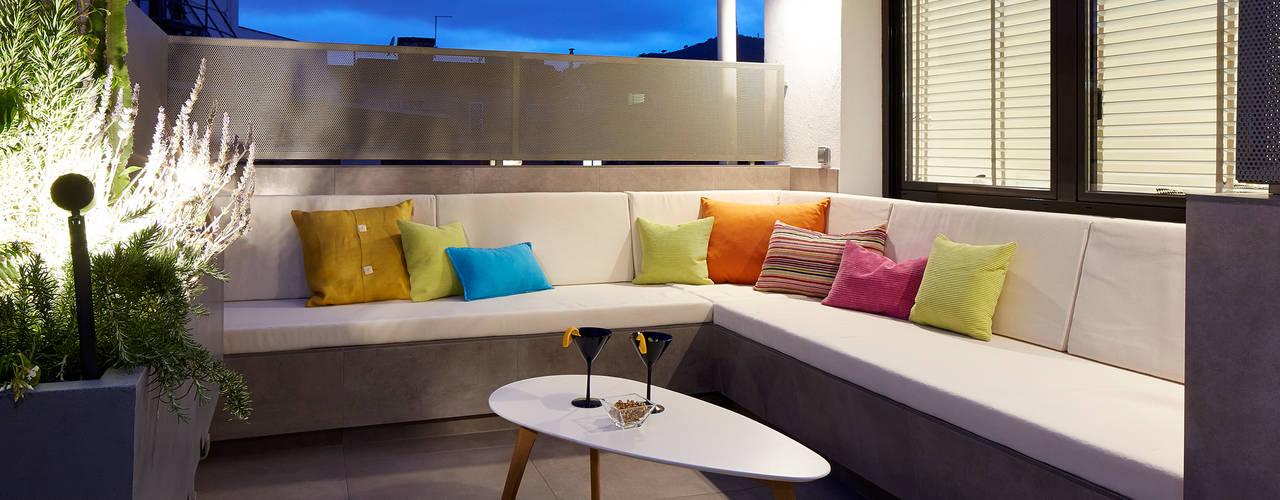Modern style balcony, porch & terrace by Molins Design Modern