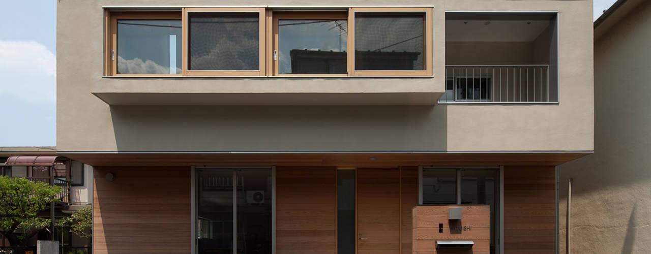 Maisons de style de style Moderne par 水石浩太建築設計室/ MIZUISHI Architect Atelier