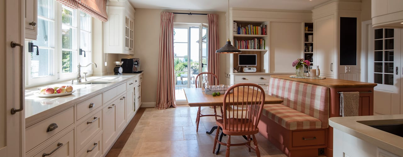 Kitchen by BAUR WohnFaszination GmbH