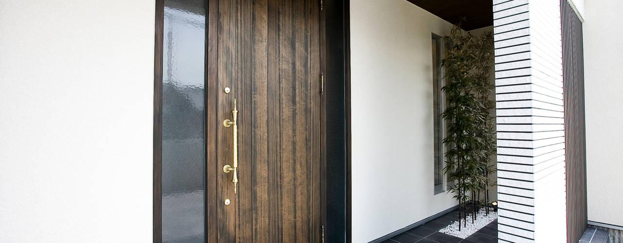 Puertas y ventanas asiáticas de Franka Asiático