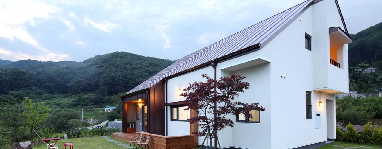 Casas estilo moderno: ideas, arquitectura e imágenes de 주택설계전문 디자인그룹 홈스타일토토 Moderno
