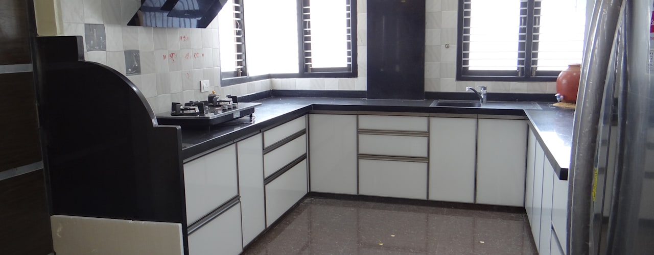 Apartment Interiors Of Mr.Pavan Jain Modern kitchen by Hasta architects Modern