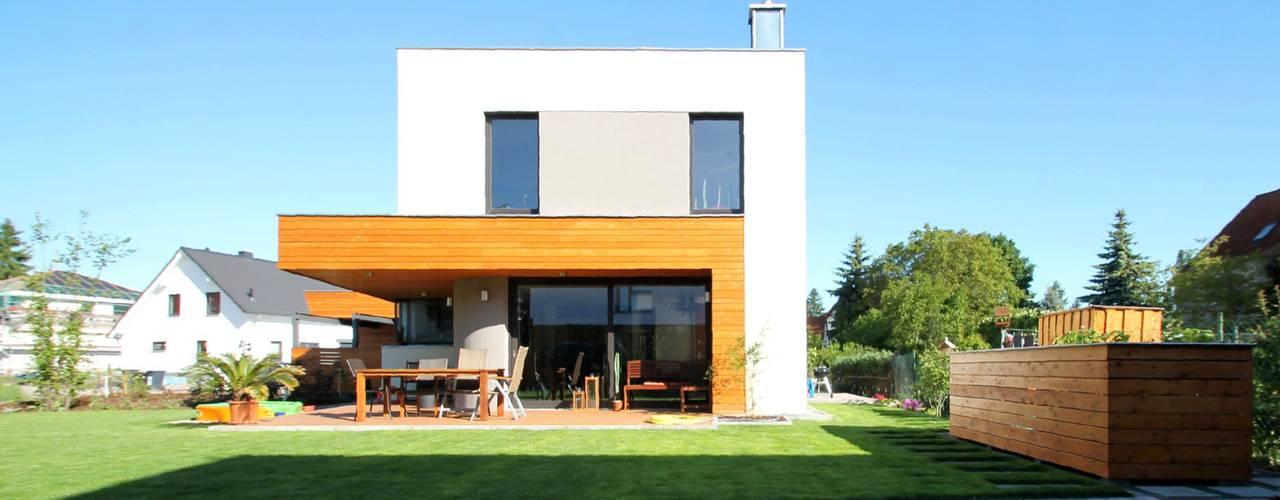 Modern Houses by Architekturbüro Schumann Modern