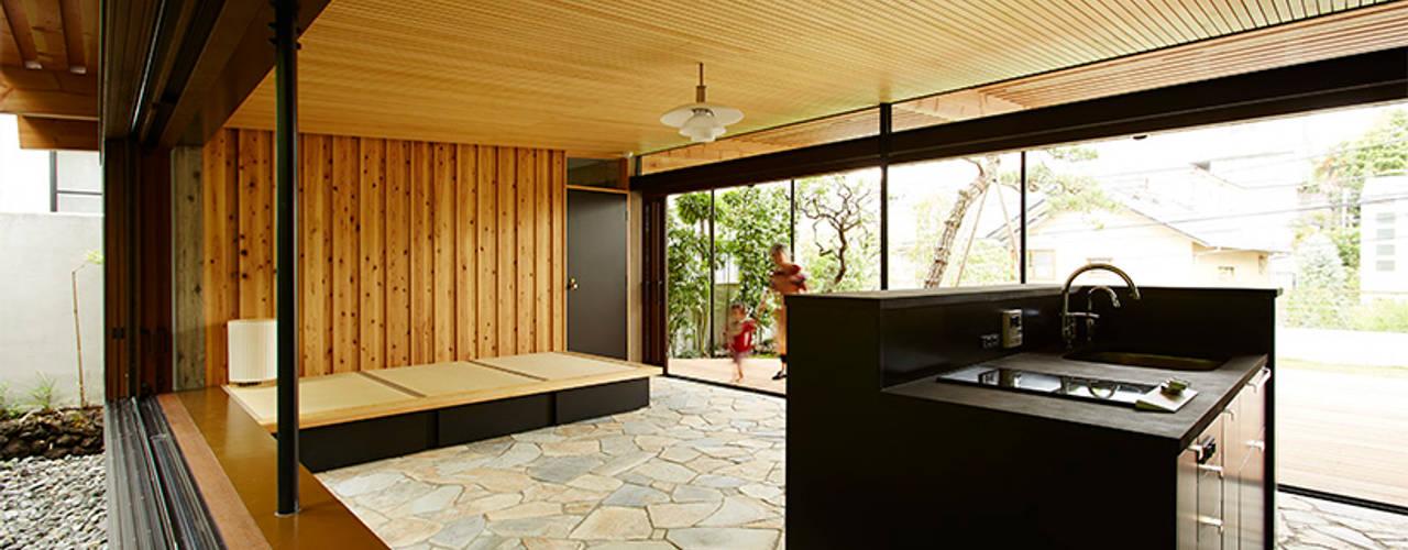 大きな屋根のBBQハウス オリジナルデザインの キッチン の すわ製作所 オリジナル