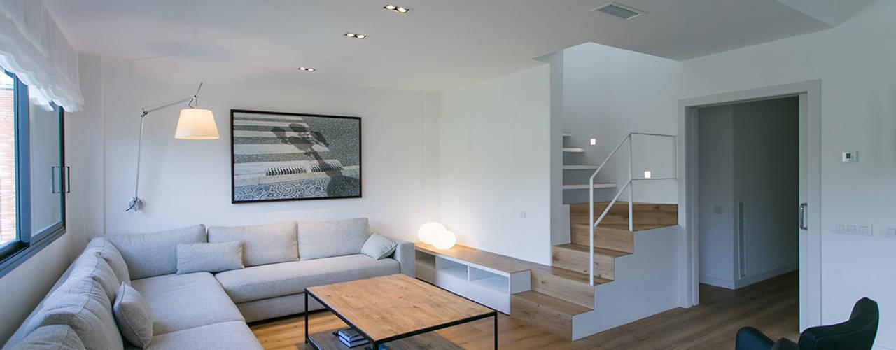 ミニマルデザインの リビング の dom arquitectura ミニマル