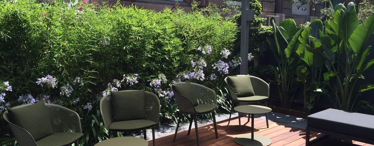 Jardin Barcelona: Jardines de estilo  de BURESINNOVA S.A.