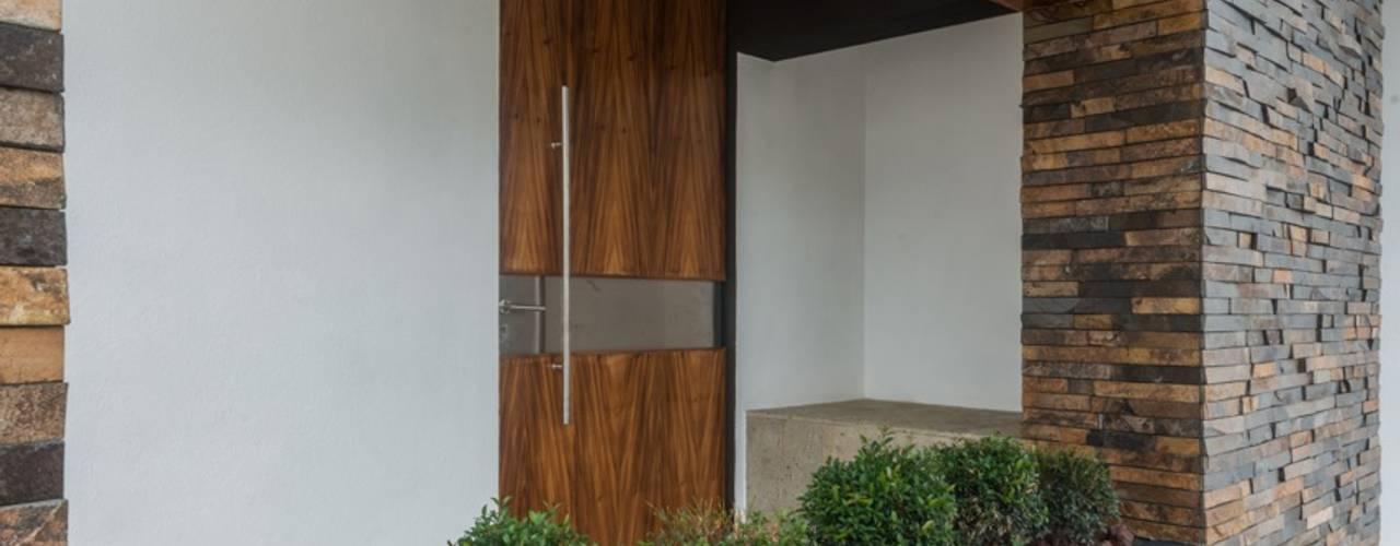 Casa Ax4: Casas de estilo  por ROKA Arquitectos, Minimalista