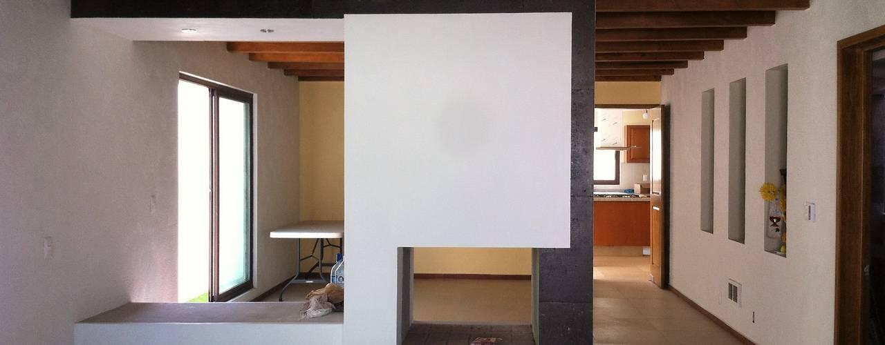 Salas / recibidores de estilo moderno por GRUPO ESGO