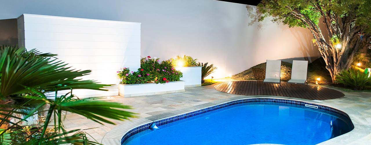 5 piscinas para casas peque as y modernas for Patios de casas modernas con piscina