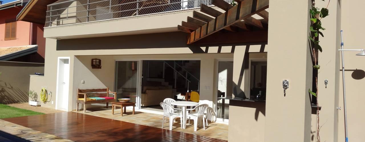 Terrazza in stile  di Lozí - Projeto e Obra