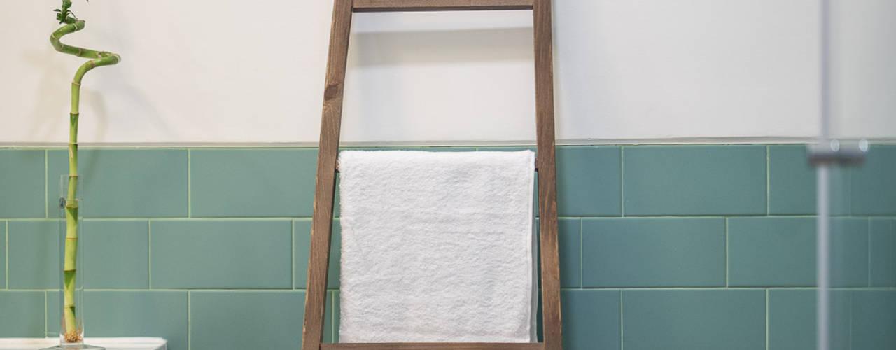 Bagno in stile in stile Minimalista di OW ARQUITECTOS I simplicity works | geral@ow-arquitectos.com