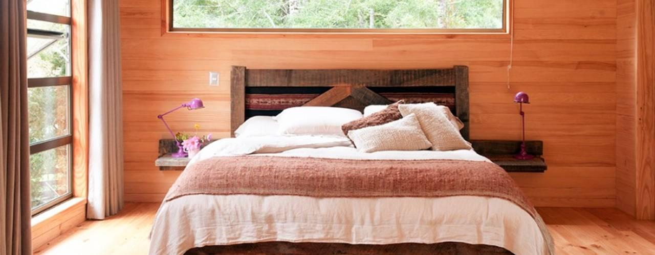 Ignisterra S.A. Paredes y suelos de estilo rústico Madera Acabado en madera