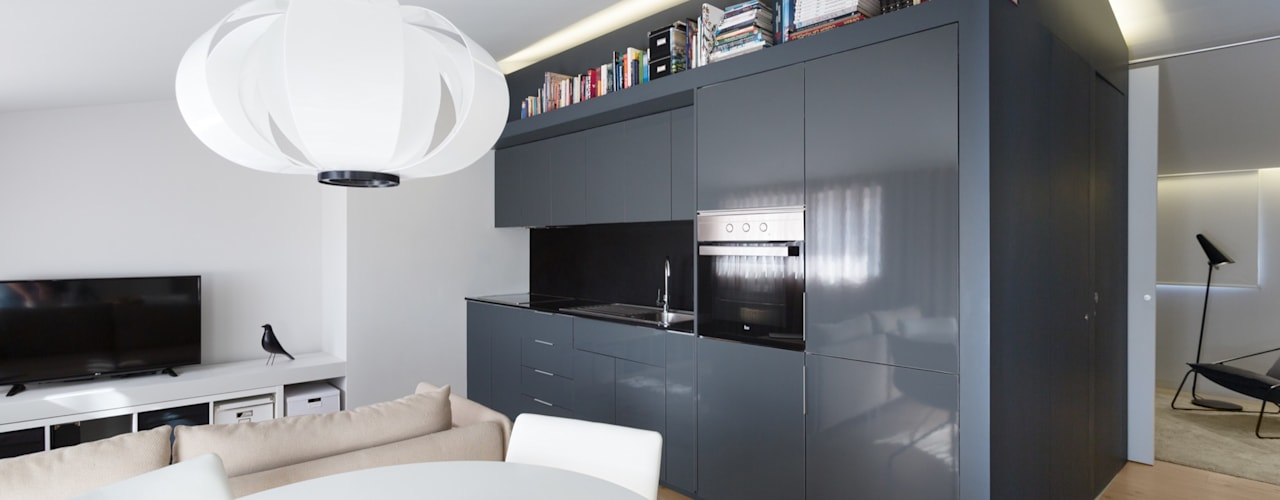 Salon minimaliste par PAULO MARTINS ARQ&DESIGN Minimaliste