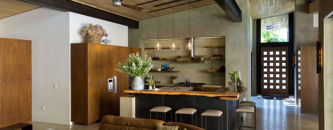 Salas / recibidores de estilo  por Chibi Moku, Moderno